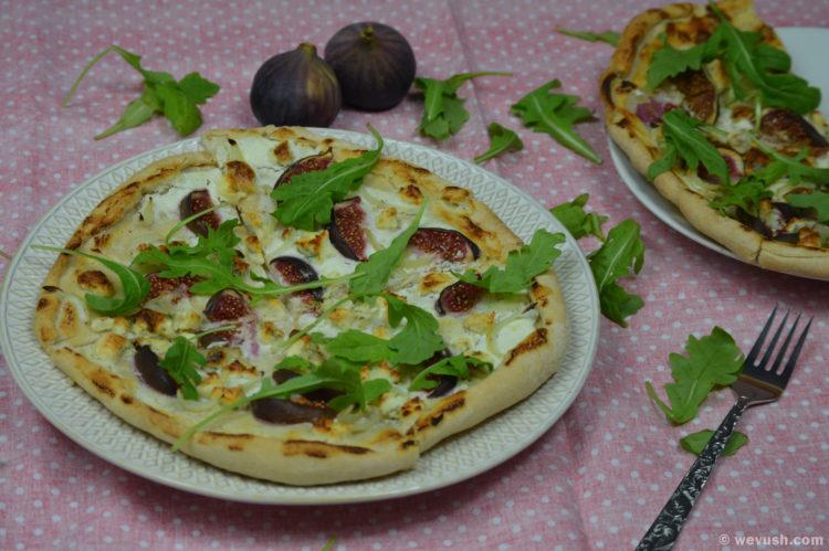 Fíková pizza s gorgonzolou