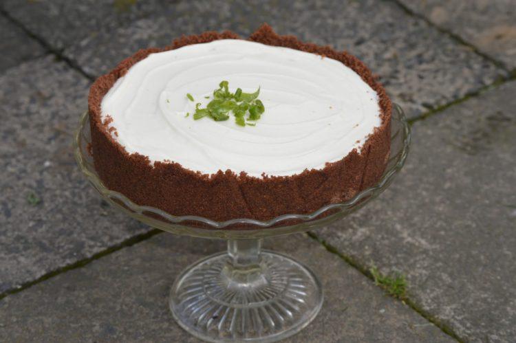 Krémový dort s bezinkovou příchutí