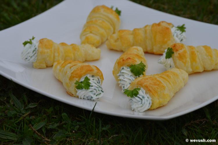 Kornoutky s bylinkovým krémovým sýrem