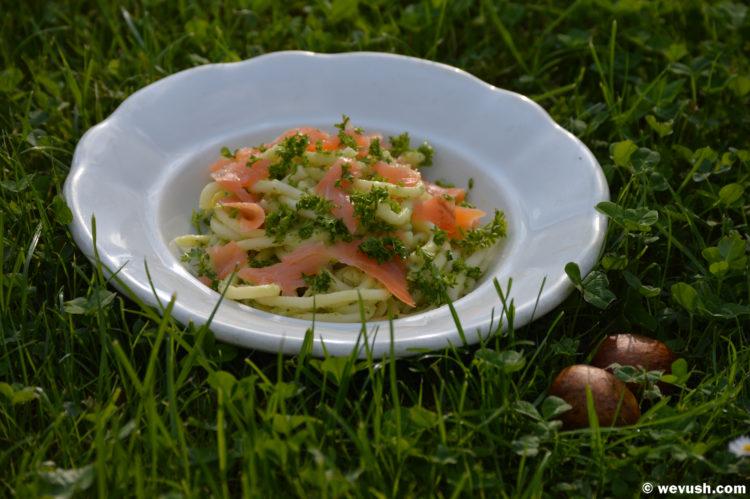 Těstoviny s avokádem a uzeným lososem