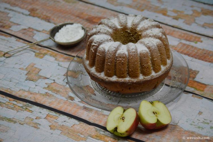 Jablková bábovka s medem