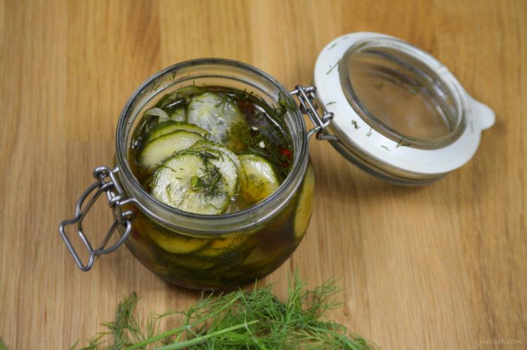 Rychlé okurkové pickles