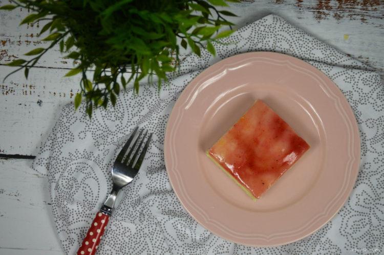 Domácí kremšnit (žloutkový řez)