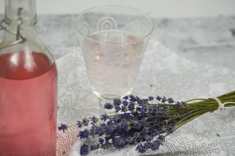 Voňavý levandulový sirup