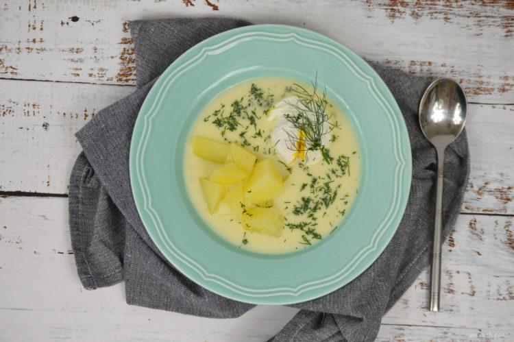 Cuketová polévka s koprem