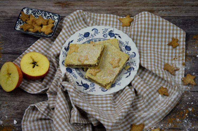 Jablečné řezy z lineckého těsta